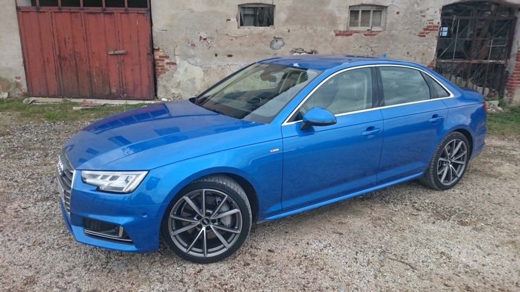 Premier contact Audi A4 2017