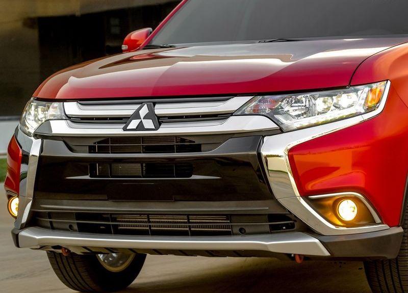 Mitsubishi-Outlander_2016_front