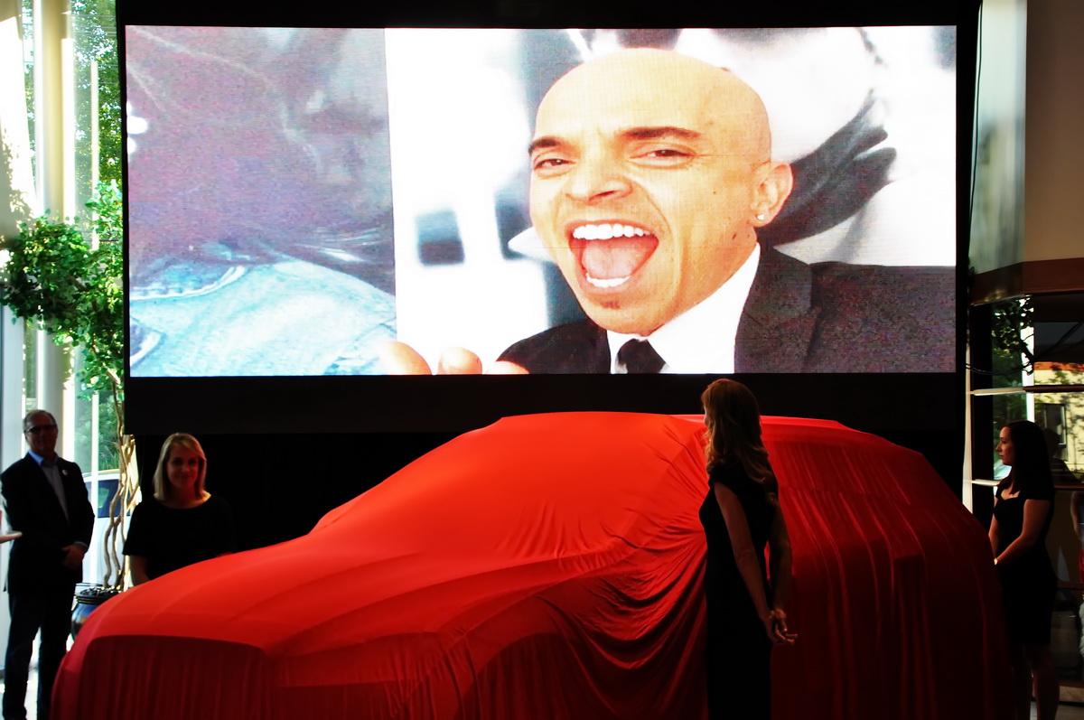 Rachid Badouri porte-parole de Jaguar Land Rover Laval s'est adressé aux invités par voix de vidéo.