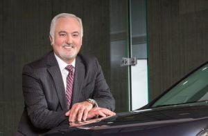 -Steve Carlisle, président et directeur général de la General Motors du Canada