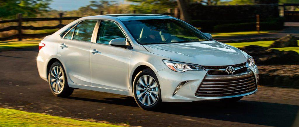 2017-Toyota-Camry-