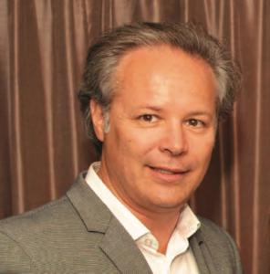 Luc Samson, vice-président, ventes et administration, service aux concessionnaires d'iA-VAG