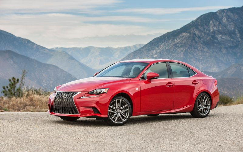 Lexus IS 200t: bien, mais peu importante