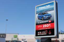 Une campagne numérique dans les abribus pour Sainte-Foy et Québec Mitsubishi