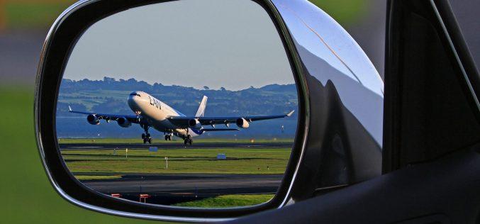 Les Canadiens peuvent épargner en prenant l'avion pour acheter un véhicule d'occasion