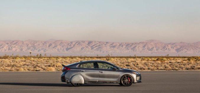 SEMA 2017: Une Hyundai Ioniq préparée pour… l'économie de carburant?