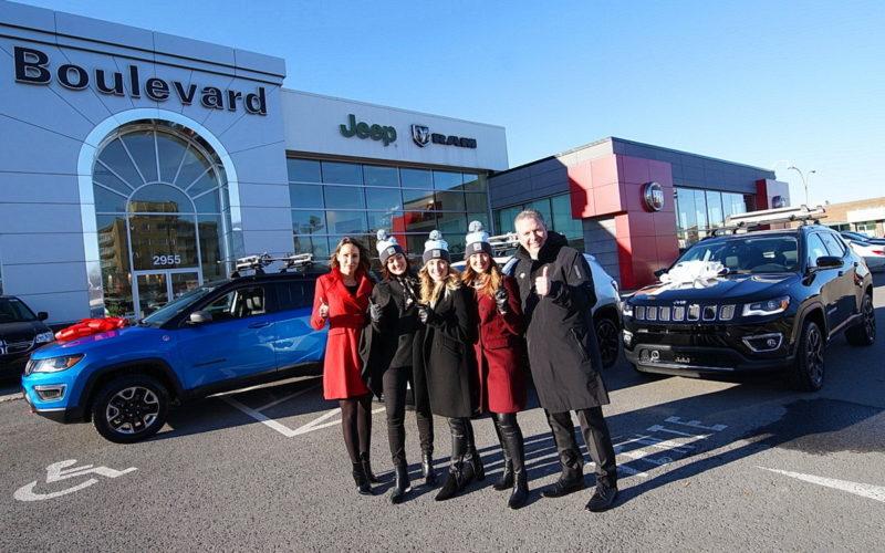 Les sœurs Dufour-Lapointe reçoivent des Jeep Compass chez Boulevard Dodge Chrysler