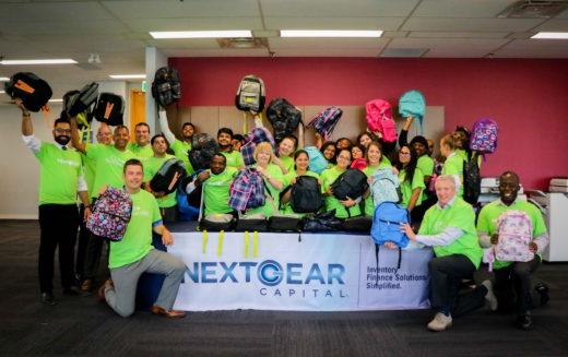 Un succès pour la collecte de fournitures scolaires de NextGear Capital Canada