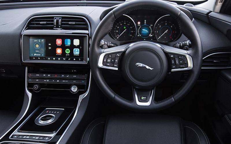 Apple Car Play et Android Auto offert en équipement standard dans certains modèles Jaguar Land Rover