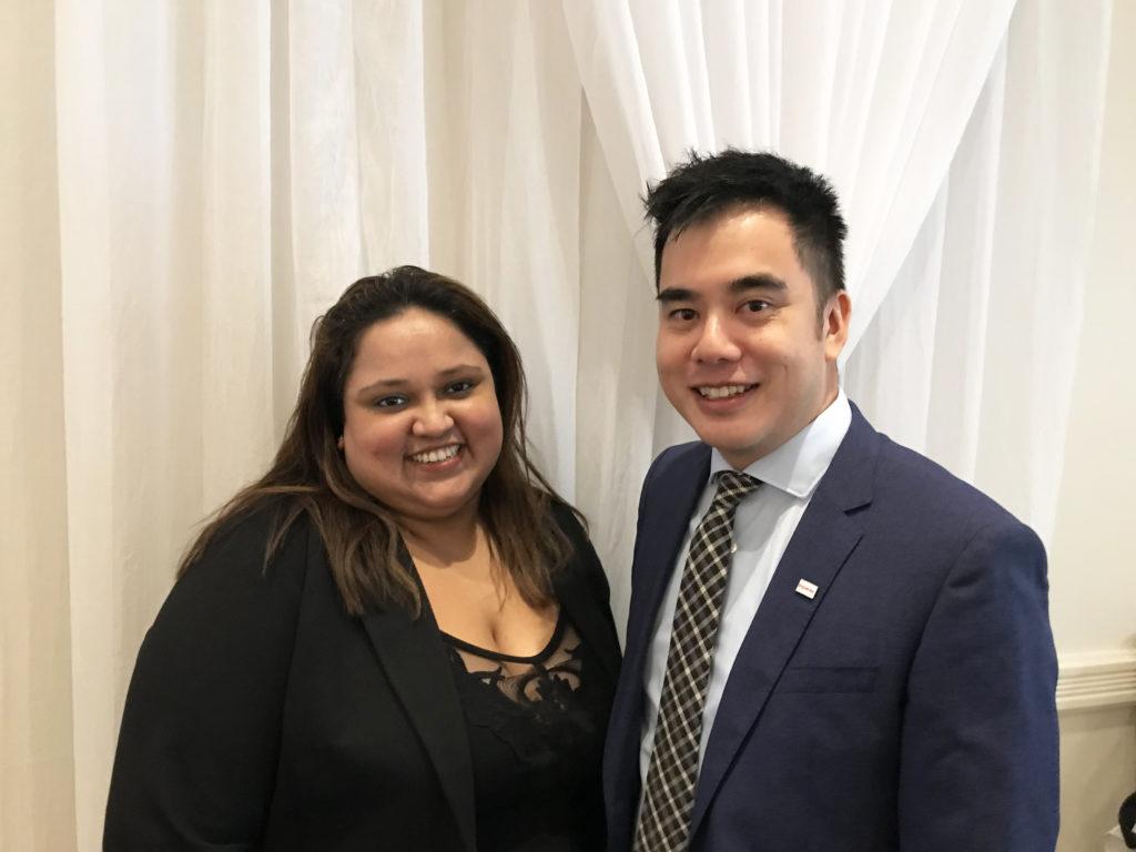 Priyanka Parakarama, spécialiste de la fraude et de l'identité chez Equifax Canada et Wilton Wong, directeur sénior d'Innovation et de Stratégie chez Equifax Canada