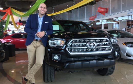 Charles-Olivier Turcotte: 300 véhicules vendus en 11 mois! Un record absolu chez Boulevard Toyota.