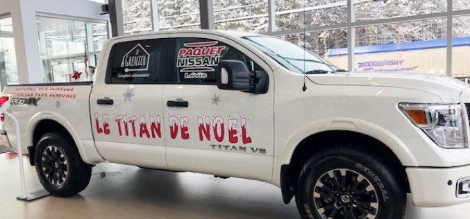 Remplir la boîte d'un camion Titan pour une bonne cause chez Paquet Nissan