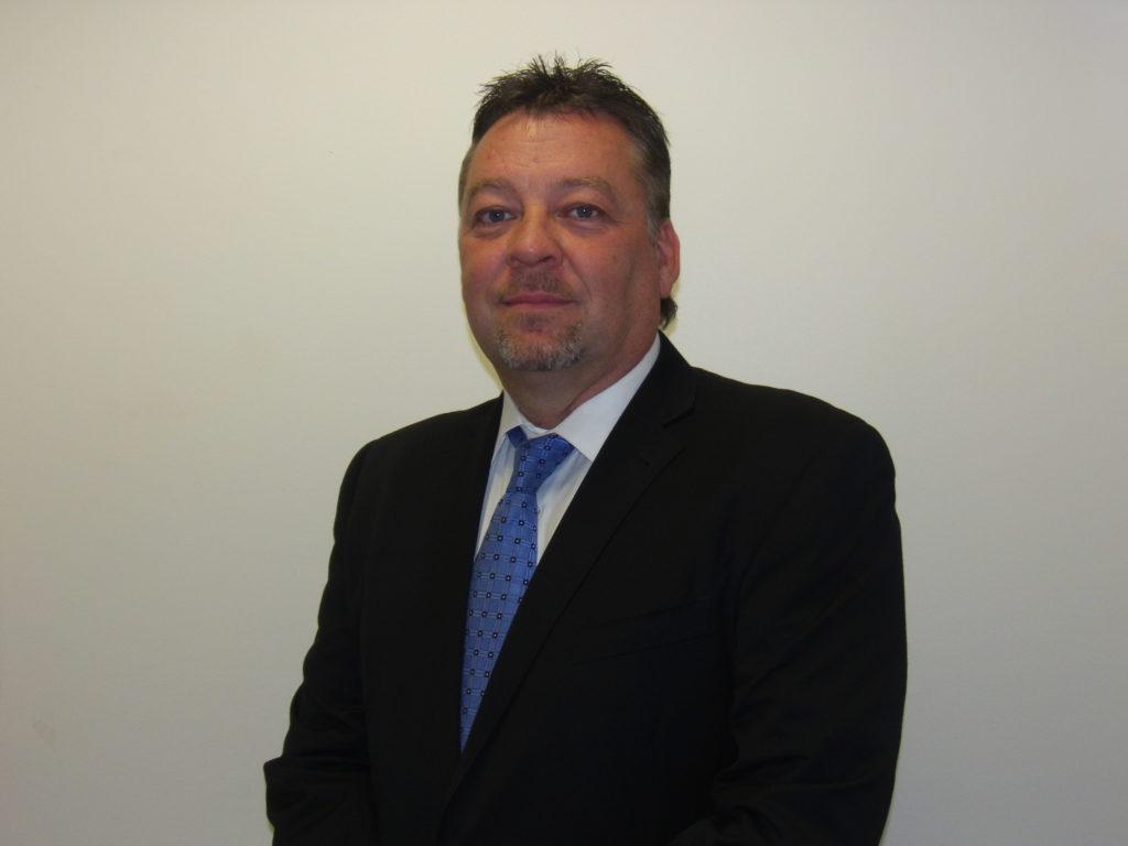 Tony McQuillan, gérant de collision OEM chez LAR