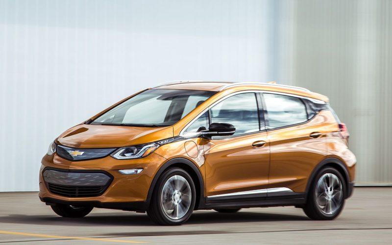 Les rabais pour l'achat de véhicules électriques, après les dépôts des deux budgets