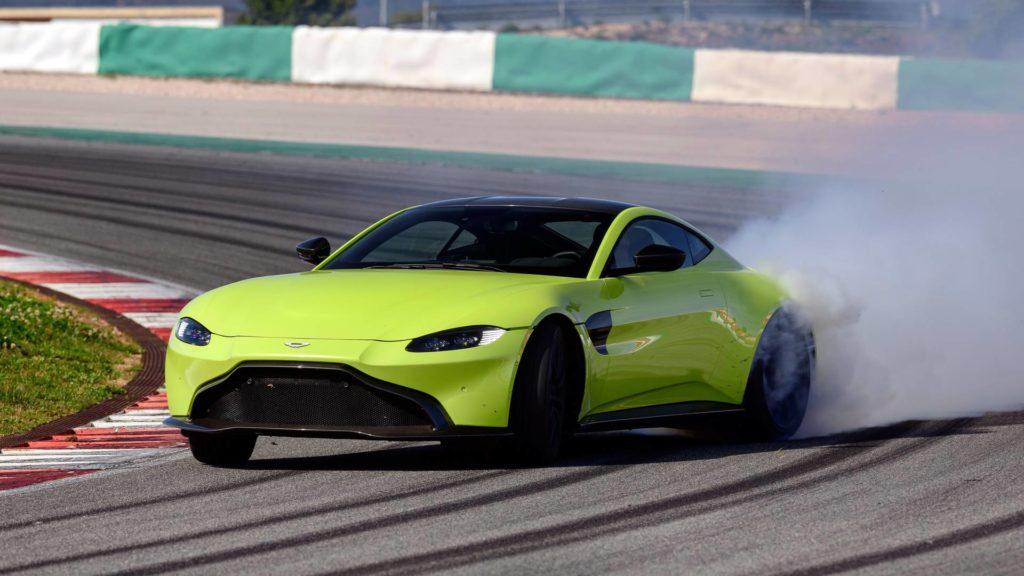 Aston Martin Vantage AMR : Maintenant disponible avec une transmission manuelle