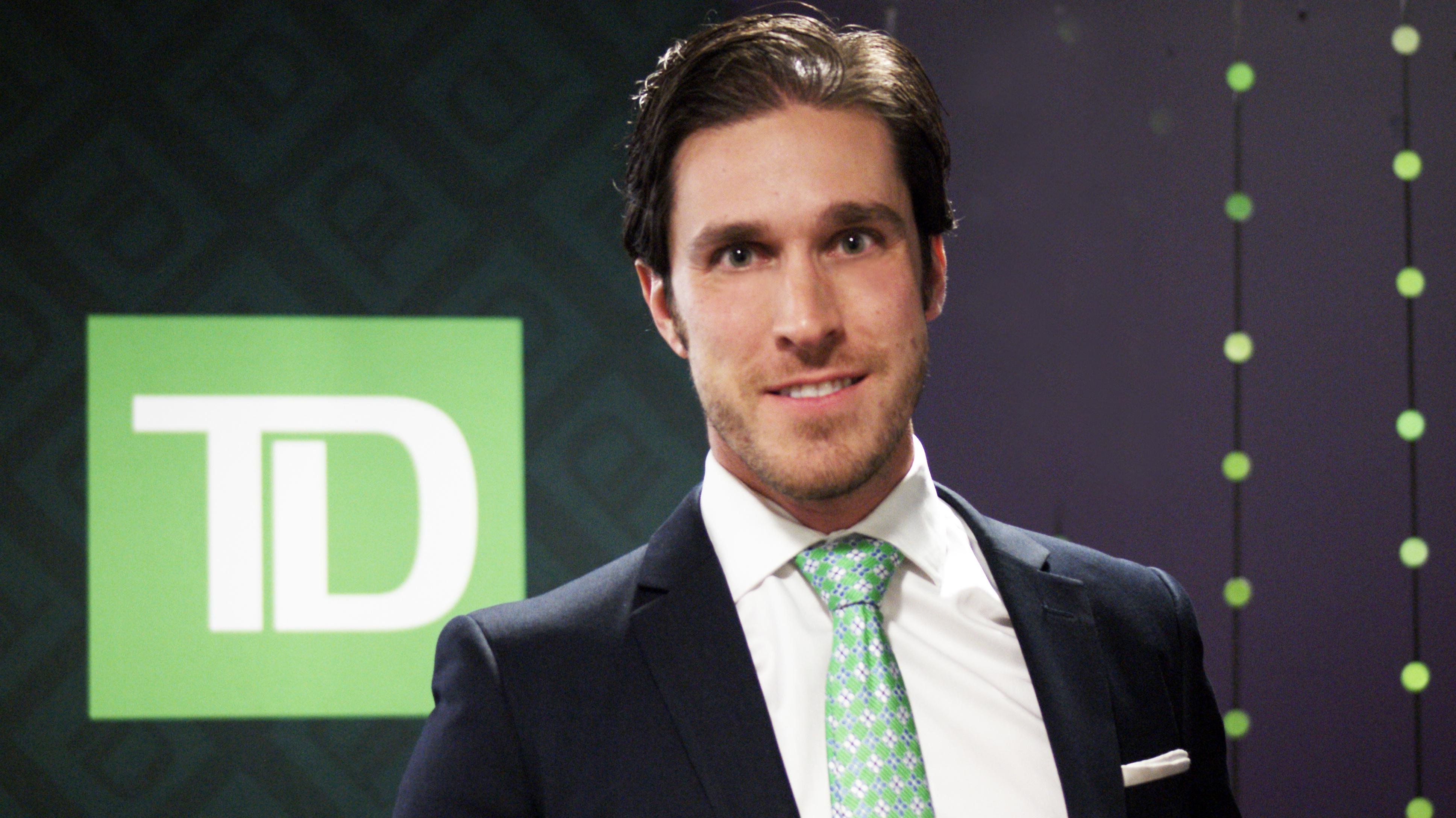 CHRISTOPHER TOLLSTAM Directeur des ventes et des opérations du centre d'exploitation Financement auto TD au Québec