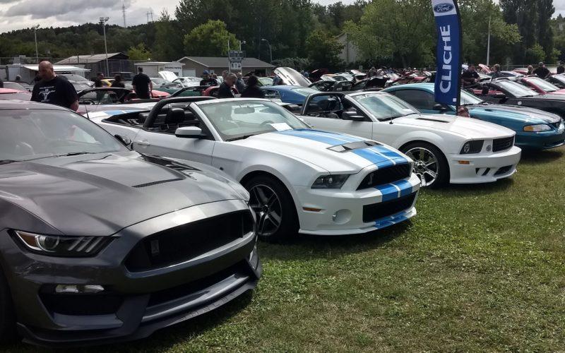 Les Mustang en mettent plein la vue au Festival des sports motorisés de Vallée-Jonction