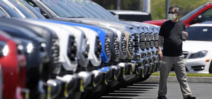 Concessionnaires automobiles: les consommateurs veulent acheter un char!