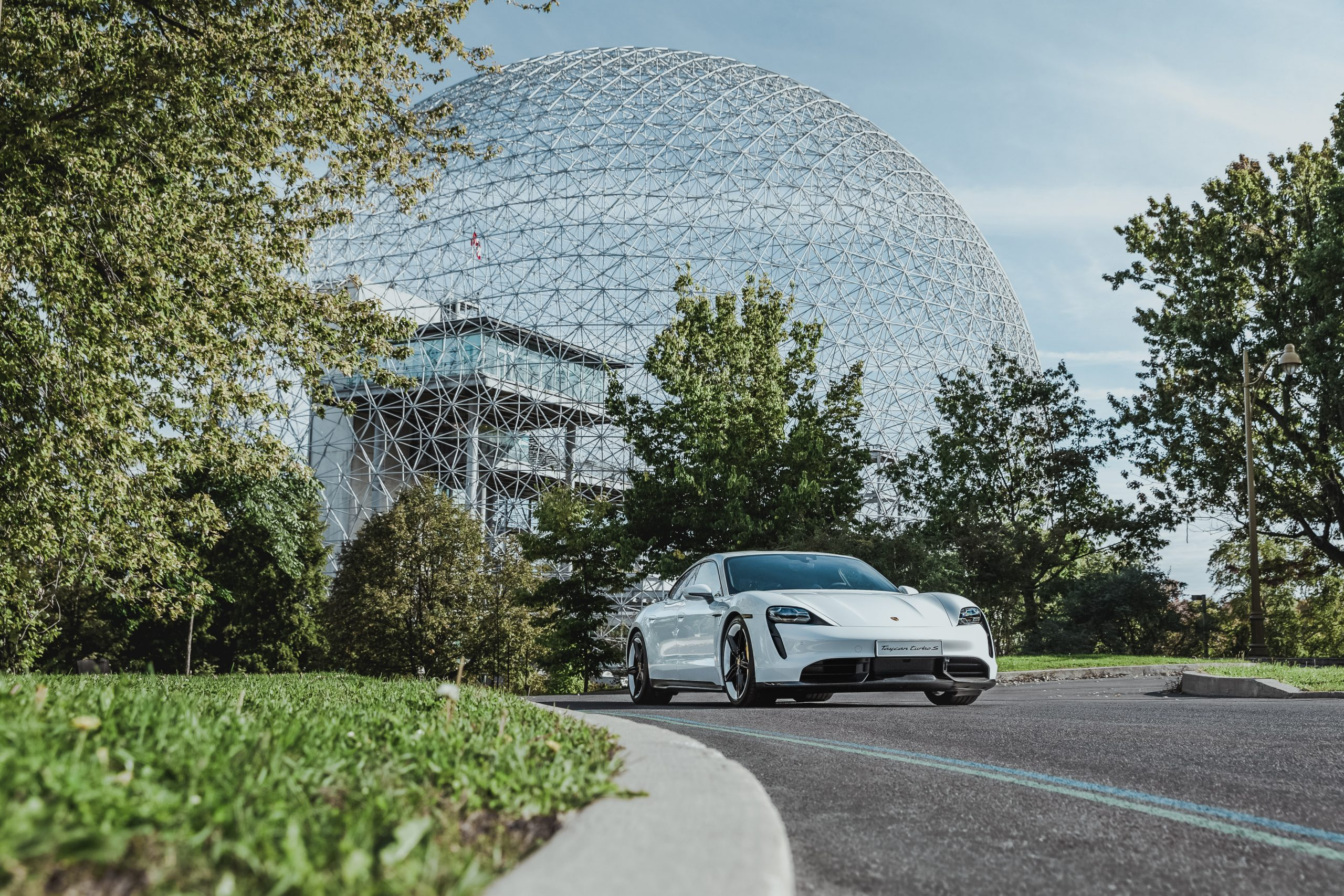 Porsche Taycan Turo Montreal Canada