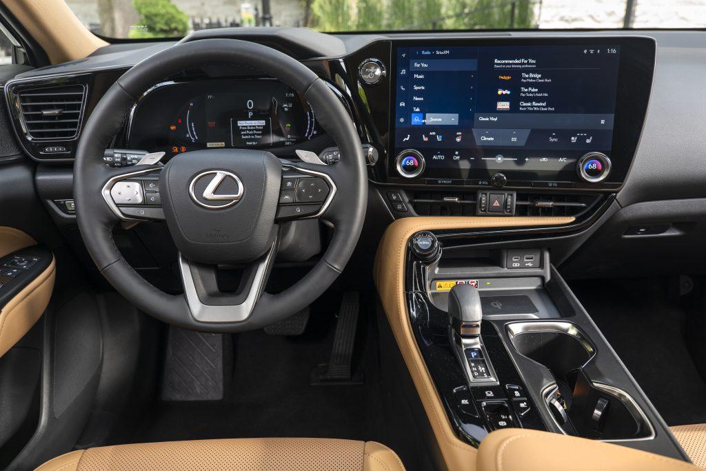 Lexus NX 2022 intérieur