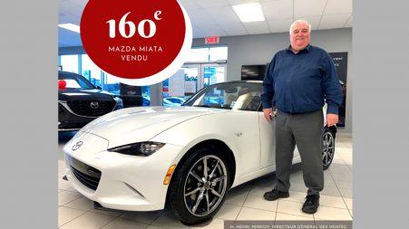 Henri Perron, directeur général des ventes de Montmagny Mazda, a battu son propre record de ventes de roadsters MX-5/Miata en livrant, la semaine passée, son 160e.