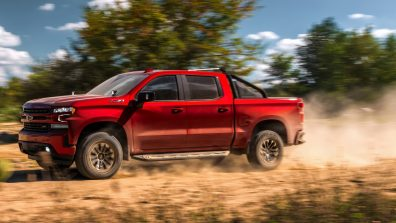 The 2019 Silverado RST Off Road Concept features a 5.3L V-8 engine equipped with a Chevrolet Performance cold-air intake system. It rides on 18-inch off-road wheels in Carbon Flash.